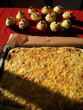 Lachskuchen und Cupcakes